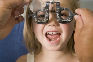 eye-exams-customeyes-vision-care-sm